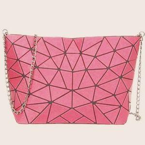 luminous Lingge Chain Bag